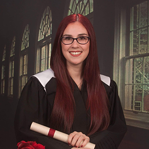 Head shot of Lauriane Tremlay in her convocation outfit