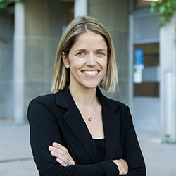 Head shot of Heather Rollwagen