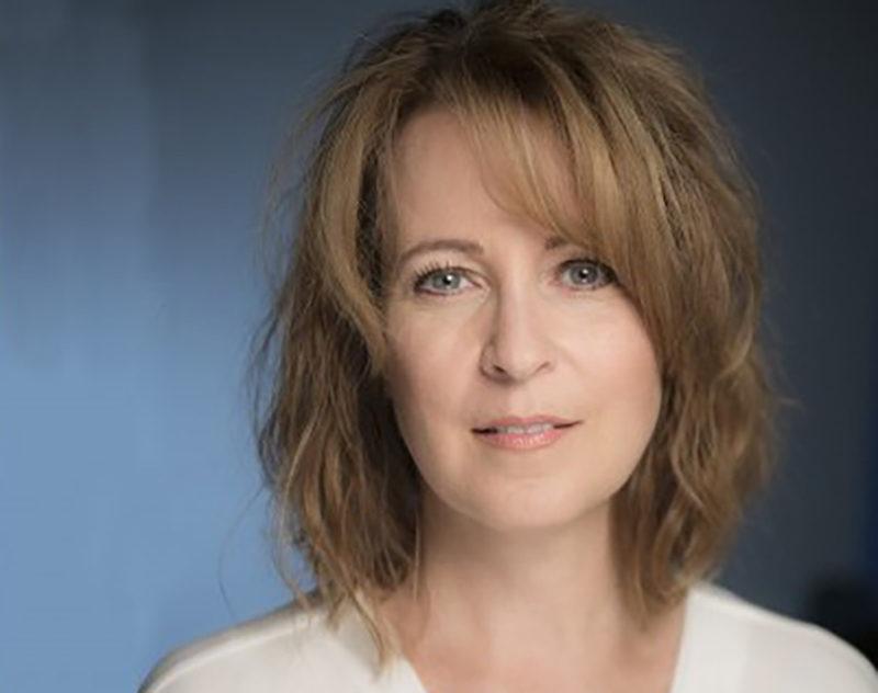 Head shot of Lisa Taylor
